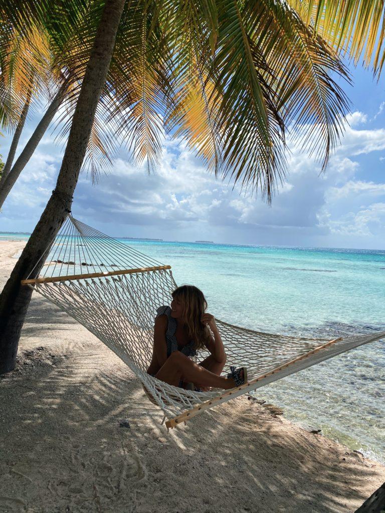 Sous un palmier en Polynésie Française