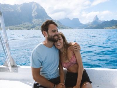 Bora-Bora vacances, couronnes de fleurs, lune de miel