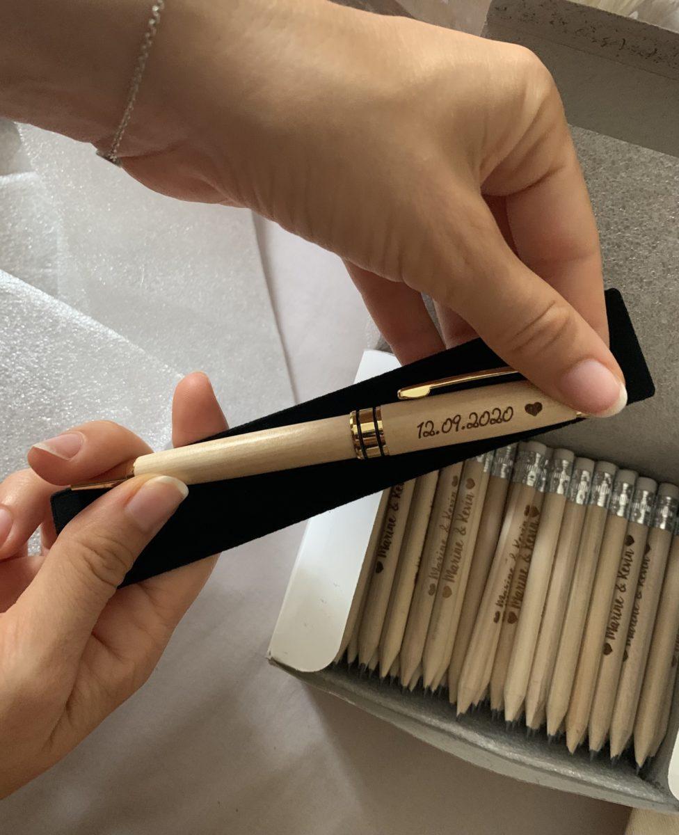 crayons à papiers personnalisés cadeaux invités mariage